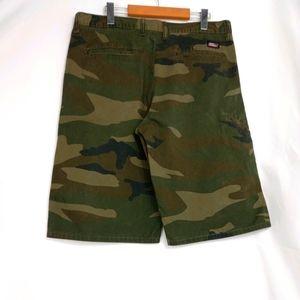 Dickies multi pocket camo shorts